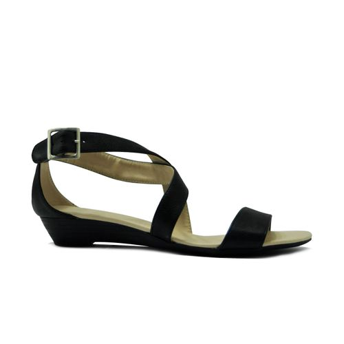 Sandalia-tacon-corrido-de-color-negro