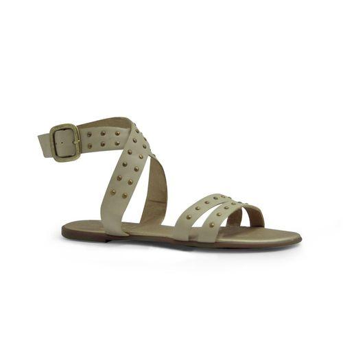 Sandalia-plana-de-color-beige