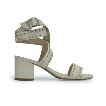 Sandalias-de-color-beige