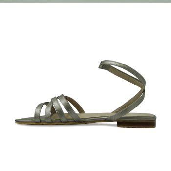 Sandalia-plana-de-color-cobre