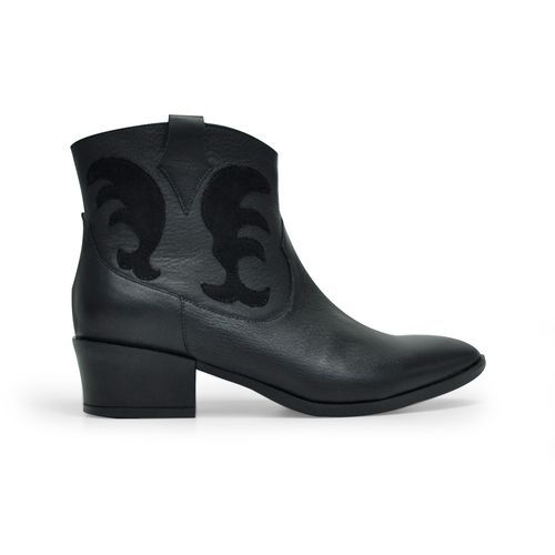 Botin-tacon-de-color-negro