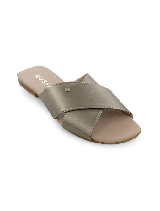 Sandalia-plana-de-sintetico-cobre
